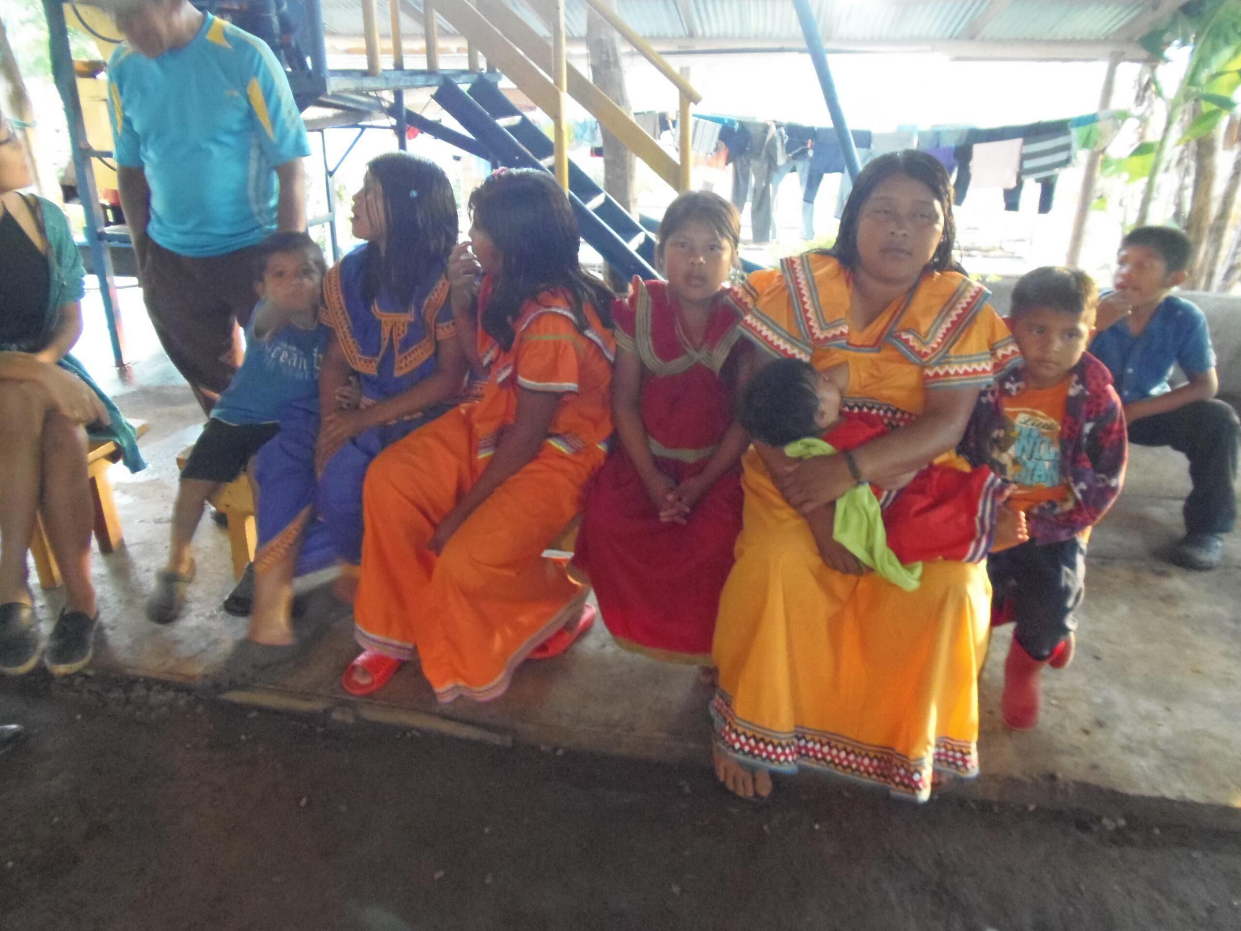 Indígenas en Costa Rica ser voluntario